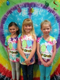 Seusstastic Classroom Inspirations: End of the Year Ideas Summer Linky Party- Week 1 Summer School Themes, End Of School Year, School Parties, School Ideas, First Grade Classroom, School Classroom, Classroom Themes, Calm Classroom, End Of Year Party
