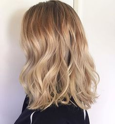 Beige blend. Color by @hairbymaddison #hair #hairenvy #haircolor #blonde #balayage #highlights #newandnow #inspiration #maneinterest