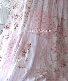 Shabby Chic home decor explanation number 9103856702 to get for one really smashing, sweet bedroom. Why not jump to the shabby chic home decor vintage link today for extra details. Rosa Shabby Chic, Shabby Chic Mode, Shabby Chic Kitchen, Shabby Chic Cottage, Vintage Shabby Chic, Shabby Chic Style, Shabby Chic Decor, Romantic Cottage, Rose Cottage