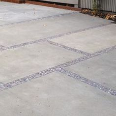 Smaller rock size between concrete slabs makes a nice trim?