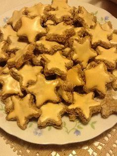 Reteta culinara Stelute cu scortisoara din categoria Prajituri. Specific Germania. Cum sa faci Stelute cu scortisoara Germania, Biscotti, Mashed Potatoes, Cookie Recipes, Caramel, Food And Drink, Macarons, Cookies, Ethnic Recipes