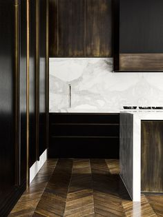 Kitchen in a Melbourne Residence by Flack Studio | Photo by Brooke Holm | Styling by Marsha Golmac #luxurykitchenmodern