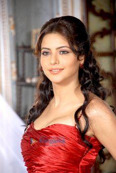 Help Amna sharif boob show agree