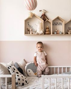 baby room ideas 653444227166482187 - Une chambre de fille rose et moderne Source by nadlakehal