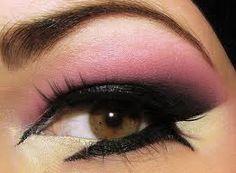 Voici un maquillage glamour et facile!!
