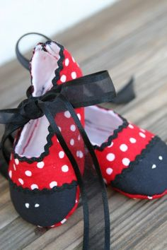 Lady Bug Baby Shoes by ladidacreations on Etsy, $18.00
