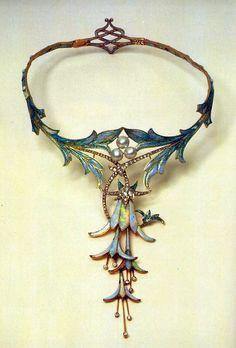 Fuschia necklace, designed by Alphonse Mucha.