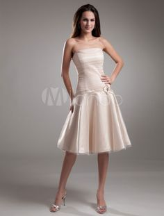 Fabulous A-line Champagne Tulle Flower Strapless Knee-Length Fashion Bridesmaid Dress - Milanoo.com