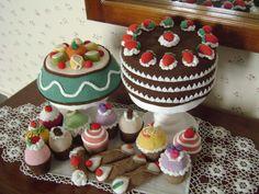 Crochet Cake, Crochet Food, Crochet For Kids, Knit Crochet, Fake Cake, Janus, Felt Food, Fiber Foods, Play Food
