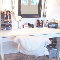 Image via We Heart It #book #books #clothes #decoration #food #girl #makeup #reading #room #style #perfect #beautiful