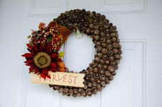 The real housewives of riverton: fall acorn wreath tutorial венки, осенние Acorn Wreath, Burlap Wreath, Halloween Decorations, Christmas Decorations, Seasonal Decor, Holiday Decor, Holiday Ideas, Welcome Fall, Wreath Tutorial