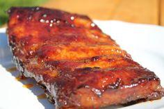 Felejtsd el a vízben főzött húsokat, itt az igazi, eredeti amerikai barbecue oldalas recept - a tökéletes barbecue titka! Grill N Chill, Hungarian Recipes, Hungarian Food, Food 52, Meatloaf, Barbecue, Main Dishes, Bacon, Pork