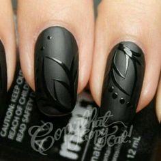 #Nageldesign #Nailart: Schwarz matt und glänzend