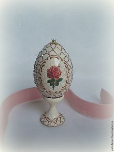 Купить Яйцо пасхальное декупаж Три Розы - бежевый, золотой, розы, Пасха, пасхальный сувенир