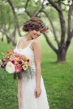 wildflower wedding bouquet - I'm not really into the flower crown trend for a headpiece, but this is so 20s flapper style that I can't help but love it.