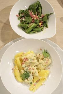 """""""Verheiratete mit Bettsejer-Salat"""" (Klöße mit Löwenzahn-Salat)"""