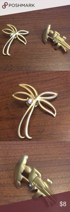 Brushed gold Floridian style duo pin brooch Nice signed in back by same maker but I haven't got a clue because the writing is too small! Tack pin style backs Jewelry Brooches