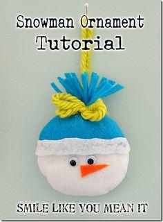 ook leuk met een gehaakt mutsje voor in de kerstboom!