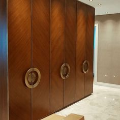 ' Bringing forth Beautifully designed Polished Wardrobes in New Delhi. ' DM & Contact us for a dedicated design & product specification. Master Bedroom Wardrobe Designs, Wall Wardrobe Design, Bedroom Closet Design, Bedroom Furniture Design, Master Bedroom Makeover, Room Ideas Bedroom, Home Decor Furniture, Mom Wardrobe, Wardrobe Doors