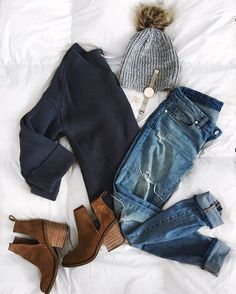 Fall + winter outfit inspiration for women. Winter outfit inspiration for women. Mode Outfits, Casual Outfits, Fashion Outfits, Womens Fashion, Fashion Trends, Fashion Pics, Young Fashion, Ladies Fashion, Fashion Clothes