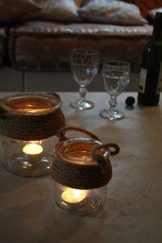 Glazen potjes met stoere look door het gebruik van touw.Te gek voor op je salontafel of natuurlijk buiten op je terras.. www.molitli.nl