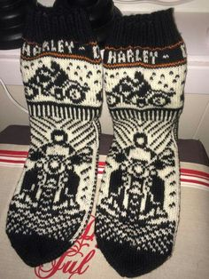 Knit Mittens, Knitting Socks, Hand Knitting, Knitting Charts, Knitting Patterns, Harley Davidson, Cool Socks, Awesome Socks, Arm Warmers