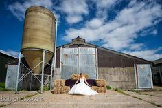 Bride on the farm Bob-photos.com