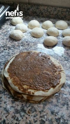 Mohnbrötchen - Pin This Arabic Food, Turkish Recipes, Bakery, Recipies, Food And Drink, Yummy Food, Dishes, Chocolate, Breakfast