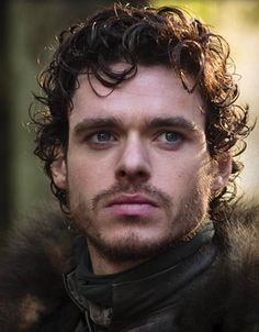 Robb Stark as portrayed by Richard Madden in the Game of Thrones series on HBO. Richard Madden, Eddard Stark, Ned Stark, Game Of Thrones, Angry Women, King In The North, Scarlett, My Sun And Stars, Mother Of Dragons