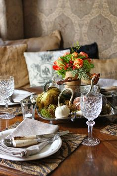 Romancing the Home: Fall Touches for a Fall Dinner Table