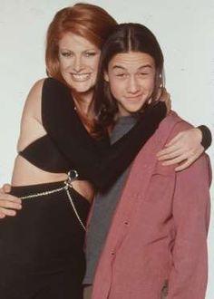 Nacido en 1981, para 1998 ya era todo una estrella de la televisión gracias a…
