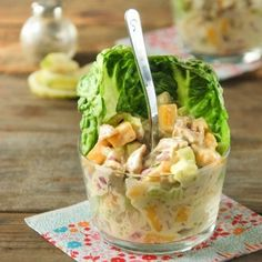 Ensalada de pollo y mango. | 25 Recetas de divinas ensaladas que vas a querer hacer durante todo el año