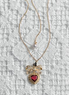 Rings, necklaces, earrings and bracelets with heart and lock pendants - D&G Jewellery | Jewellery Dolce&Gabbana