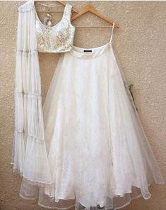 Buy White Color Lehenga by Akanksha Singh at Fresh Look Fashion Indian Wedding Gowns, Indian Gowns, Indian Attire, Indian Outfits, Indian Wear, Gown Wedding, Blouse Lehenga, Lehnga Dress, Sari