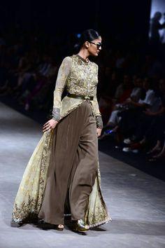 Sabyasachi channels the 70s at Lakme Fashion Week Summer/Resort 2015