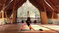 Du träumst schon immer davon, Yoga auf der magischen Insel Bali zu machen? In diesem Artikel gibt es 8 wundervolle Orte für Yoga auf Bali & den Gilis.