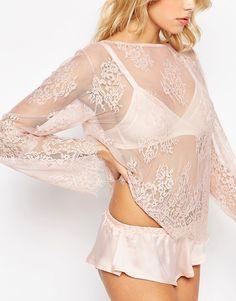 Bild 3 von ASOS – Delicate – Schlafanzug mit Tunika-Oberteil aus Eyelash-Spitze und French Knickers aus Satin