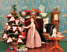 How to make Christmas Bunting for Dollhouse Minature.
