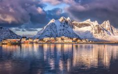 Photographing the Lofoten in winter has been on my bucket list for a long, long time. This year, I finally mustered up the time, energy and money to make the dream come true. And I'm glad I did. If the weather isn't too bad (big IF there), the light in the arctic winter is just pure magic. Almost unbelievable. On some very special occasions, you not only have blue hours and golden hours but also, what my wife started to call the PINK hour. This image was taken early in the morning…