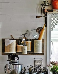 s 16 empty tin can hacks that will make your home look amazing, crafts, home decor, repurposing upcycling, Pin some up on the wall as an organizer Diy Hacks, Tin Can Crafts, Ideas Para Organizar, Floating Wall, Wall Organization, Vintage Diy, Vintage Farmhouse, Paint Cans, Decor Crafts