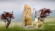 Klenoty naší krajiny: Bílé Karpaty — Česká televize Mount Rushmore, Mountains, Couple Photos, Nature, Travel, Couple Shots, Naturaleza, Viajes, Couple Photography
