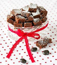 Årets läckraste julgodis – 8 fantastiska recept Christmas Feeling, Christmas Candy, All Things Christmas, Fika, Sweet Tooth, Food And Drink, Ice Cream, Sweets, Snacks