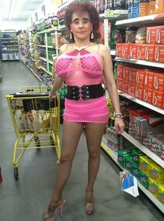 Strange Walmart Shoppers - Funny Pictures at Walmart