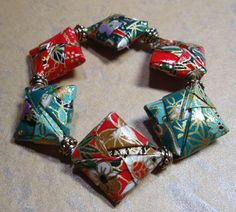 Origami, paper crafts, video tutorials, mixed media and more! - over 500 BACK --- Adam - Beads Paper Beads Tutorial, Make Paper Beads, Paper Bead Jewelry, Origami Jewelry, Paper Earrings, Fabric Jewelry, How To Make Beads, Bead Crafts, Jewelry Crafts
