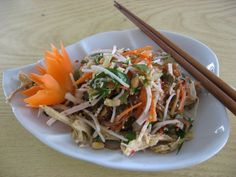 Banana Blossom Salad with carrot (Nom Hoa Chuoi) - never going to have the ingredients for this in NZ but I can dream!