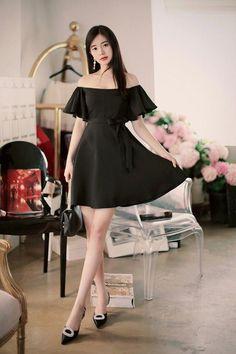 Best Fall Fashion Trends For Women - Fashion Trends Korean Fashion Teen, Korean Fashion Dress, Korean Street Fashion, Fall Fashion Outfits, Fall Fashion Trends, Korean Outfits, Asian Fashion, Fashion Dresses, Womens Fashion