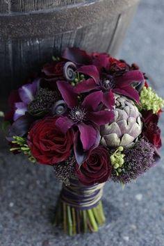... www.creativesavannahweddings.com bouquet by Twisted Willow Flowers