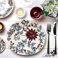 2010年冬に限定で発売された「小さな赤い実と花」の意味のフロストベリー。