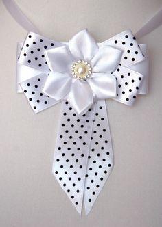 This is pretty 😍😍 Making Hair Bows, Diy Hair Bows, Diy Ribbon, Ribbon Bows, Decorated Wine Glasses, Bow Pattern, Paper Crafts Origami, Bow Tutorial, Christmas Bows