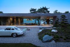 Gallery of - Sliding - 7 Modern Home Exterior Modern Architecture House, Modern House Design, Architecture Design, Exterior Design, Interior And Exterior, Aluminium Windows And Doors, Villa, Modernism, Bungalow